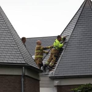 Brand op dak oude raadhuis