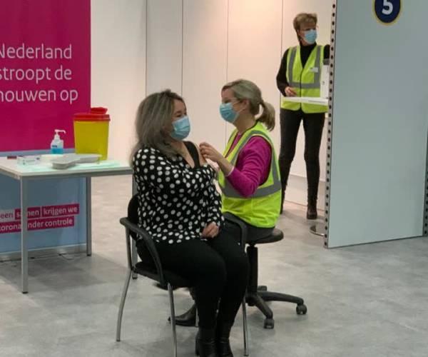 Sanna Elkadiri: 'Laat je vaccineren'