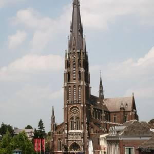 Beperkte verruiming in R.K. Kerk voor grote kerkgebouwen