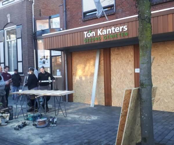 Winkeliers in Schijndel barricaderen hun zaken
