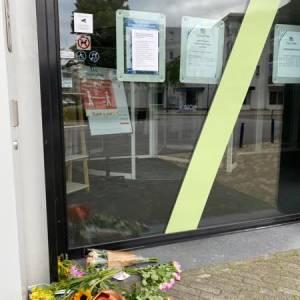 Stil protest tegen spoedwet bij Stadhuis Veghel