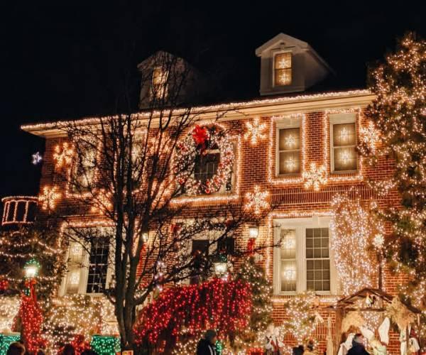 Wie heeft het mooiste versierde kersthuis?