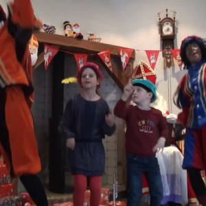 Sint wringt zich in Rooi in allerlei bochten