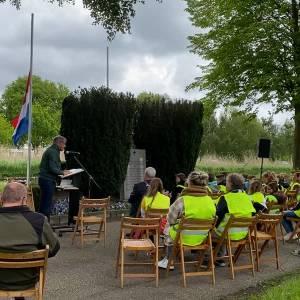 Scholieren Zijtaart herdenken oorlogsslachtoffers