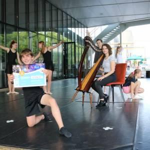 Dansers halen meer dan 600 euro op voor Kika