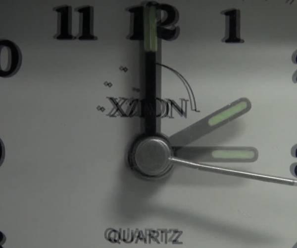 Niet vergeten: de klok moet vooruit (video)