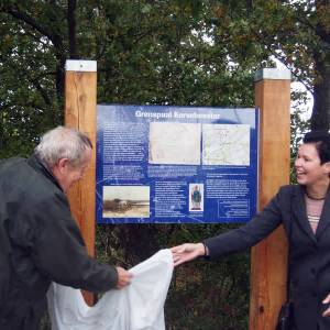 Tiendpaal en grenspaal bij Boerdonk onthuld