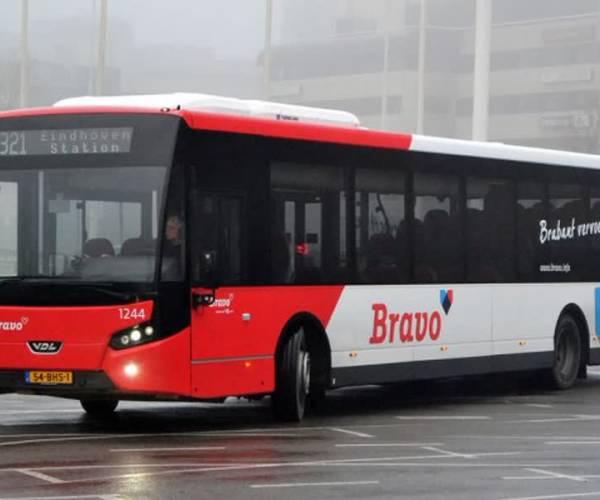 Protest tegen opheffen buslijn 155 in Erp en Veghel