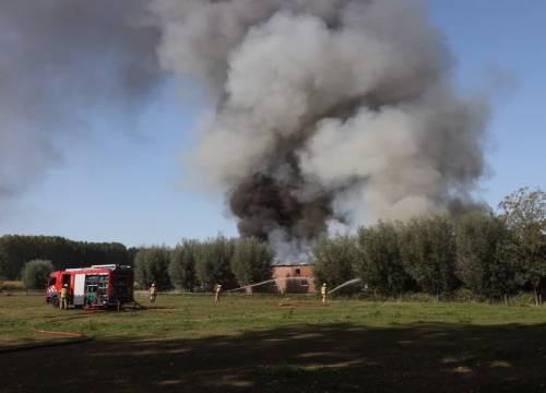 Grote brand bij champignonkwekerij in Sint-Oedenrode