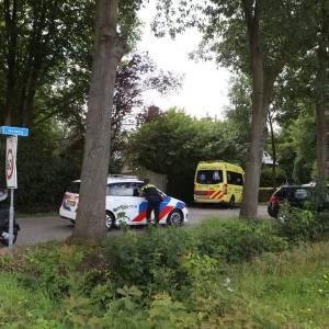 Snorfietser naar ziekenhuis na botsing met auto