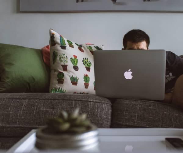 Coronacrisis: tips om overlast van thuiswerkende buren en schreeuwende kinderen te bespreken