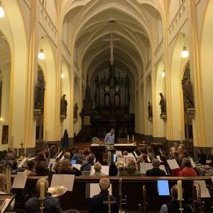 Schijndelse harmonie speelt bij herdenkingsmis in Sint-Jan