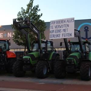 Boeren blokkeren terrein Kuehne + Nagel
