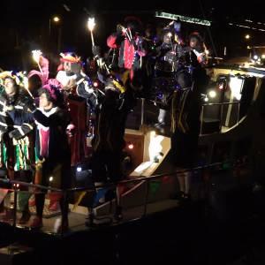 Uitzwaaien laatste Zwarte Pieten in Veghel